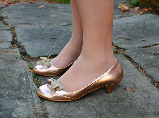 I spotted my friend s mother donning these adorable rose gold kitten heels  the other day e2e5a3023