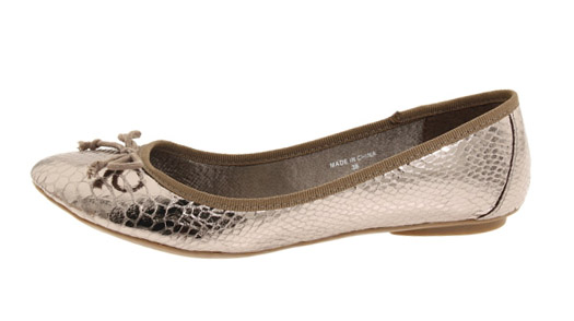 Get yours before these pretties, by The Cool People, are all gone, at zappos.com! (Oh dear, I rhymed yet again