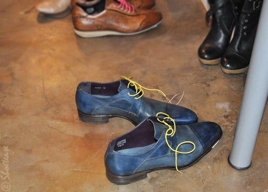 neon laces shoes accessories stolen riches