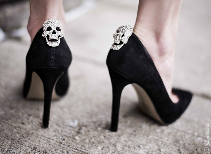 Toronto Street Style Fashion - Nine West Pointed Toe Black Suede Pumps, Shoelery Sparkly Skull Clips Shoes