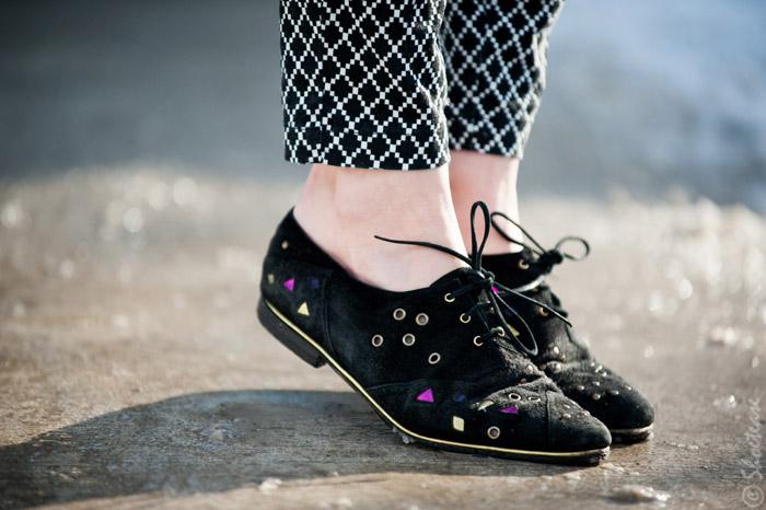Toronto Street Style Fashion - Vintage Maud Frizon suede lace up brogues, Gap Diamond Print pants