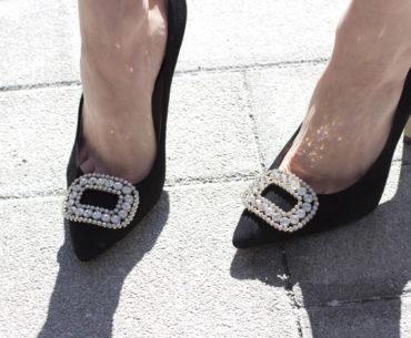 Toronto Street Style - Black Pumps, Square Diamond Shoe ClipsPearl and Gold Metal Bracelets