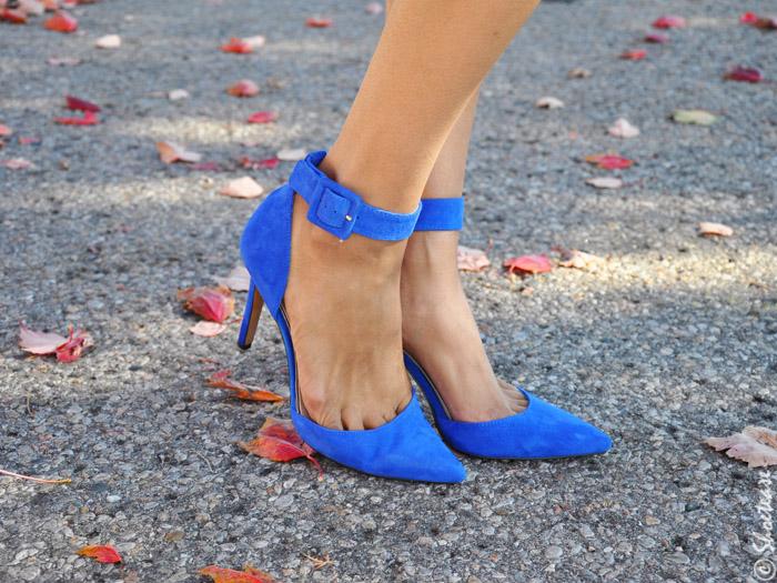 shoe closet Turquoise heels