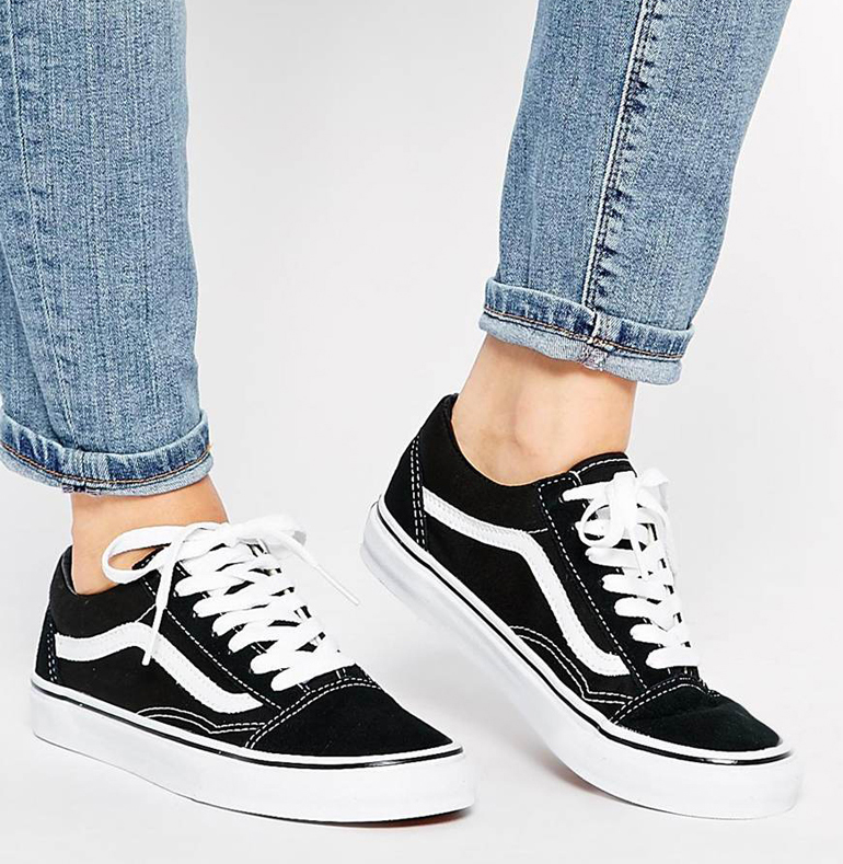 how to wear vans with skinny jeans