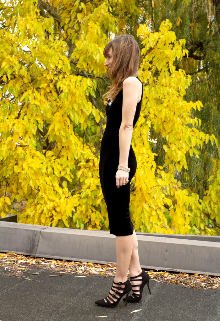 Party Outfit Strappy Le Chateau Shoes Amp Black Velvet Dress