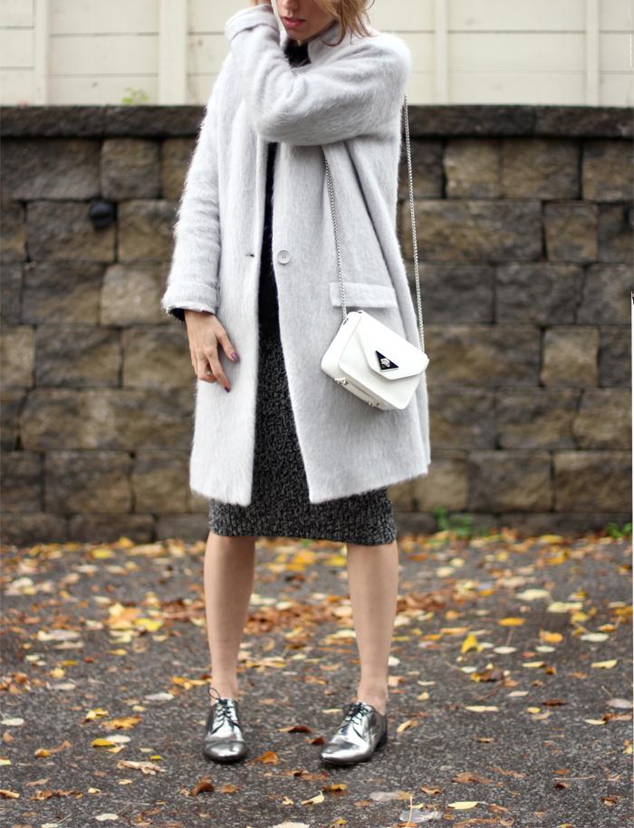 metallic silver oxfords women outfit 2