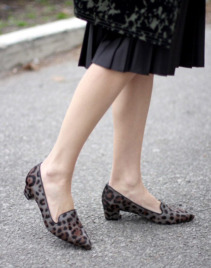 grey Leopard print loafers 3