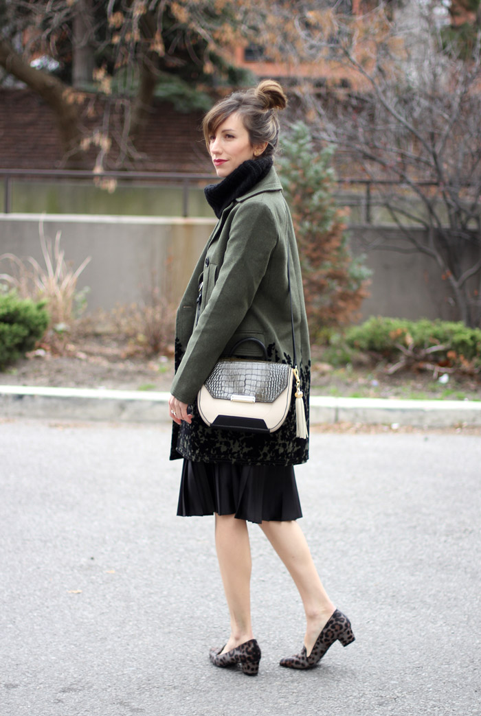 grey Leopard print loafers outfit 2