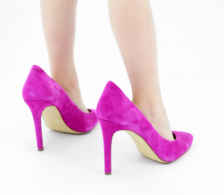 How to Make Shoes Smaller  6 Helpful Hacks   4562da5ed66e