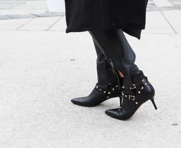 TFW Street Style Valentino rockstud booties