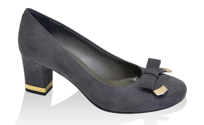 c3ba8de1c44df Grandma Shoes - The Weird Shoe Trend