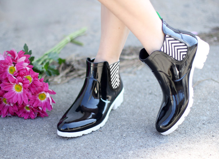Chelsea Cougar Rain Boots Black & White