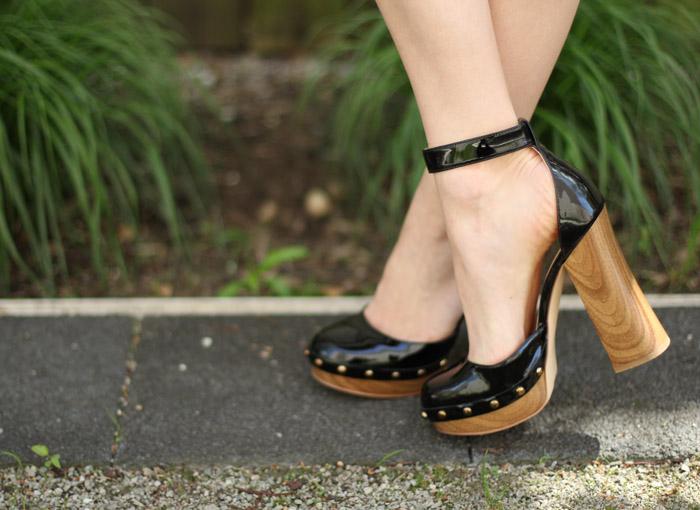 5fd863c43c6 Wooden Platform heels   Tropical Print Off the Shoulder Top
