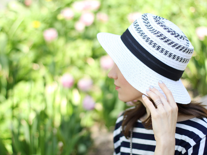 White Straw hat with stripes