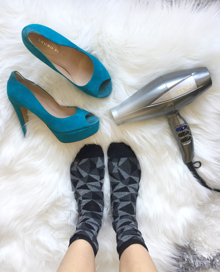 How to Stretch Shoes with a Blow Dryer