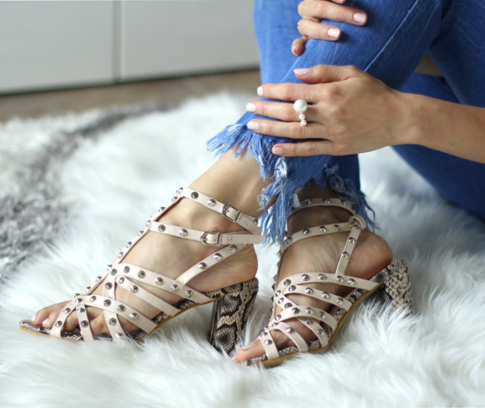 yoins-studded-strappy-sandals