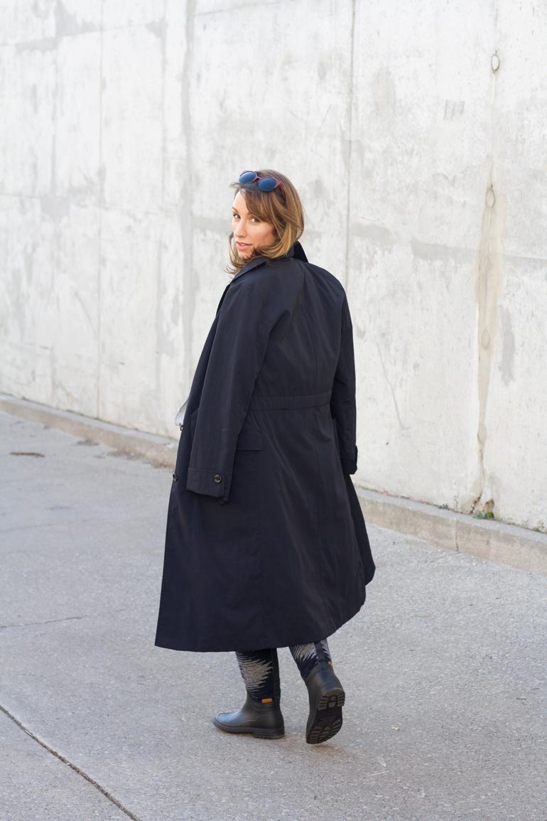 kamik-rain-boots-canadian-trench-coat