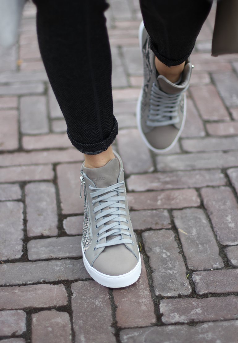 vionic-hi-top-lace-up-snake-print-sneakers