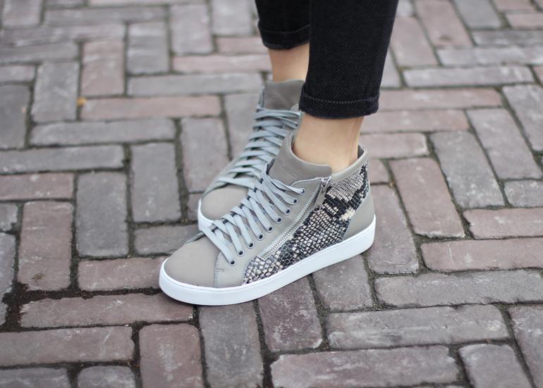 vionic-sneakers-torri-snake
