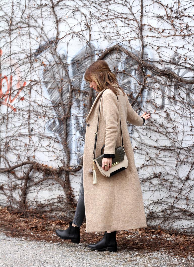 Quiet Luxury Black Stylish Winter Boots With Camel Coat