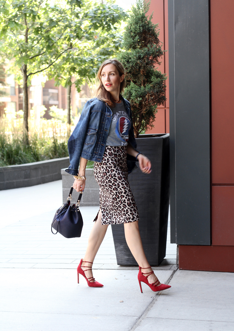 3230a45b1a03 Red Strappy Heels: c/o Nine West Canada. Navy Bucket Bag: c/o Nine West.  Chocker: c/o Nine West. Leopard Print Skirt: Anthropologie.