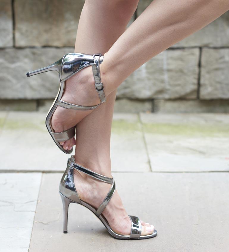 2bfa0d82d5c How to make Heels More Comfortable - 10 Handy High Heel Hacks