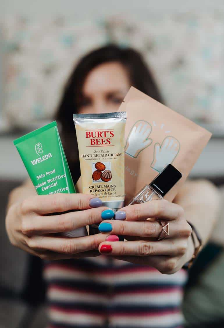 How To Cure Dry Hands & Feet With The Best Moisturizing