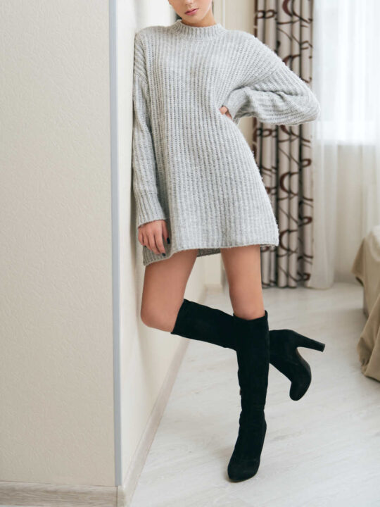 How to Wear a Sweater Dress with Boots: From Ankle Boots to High Boots